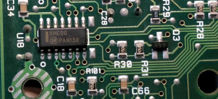 与非门hc00集成电路.jpg